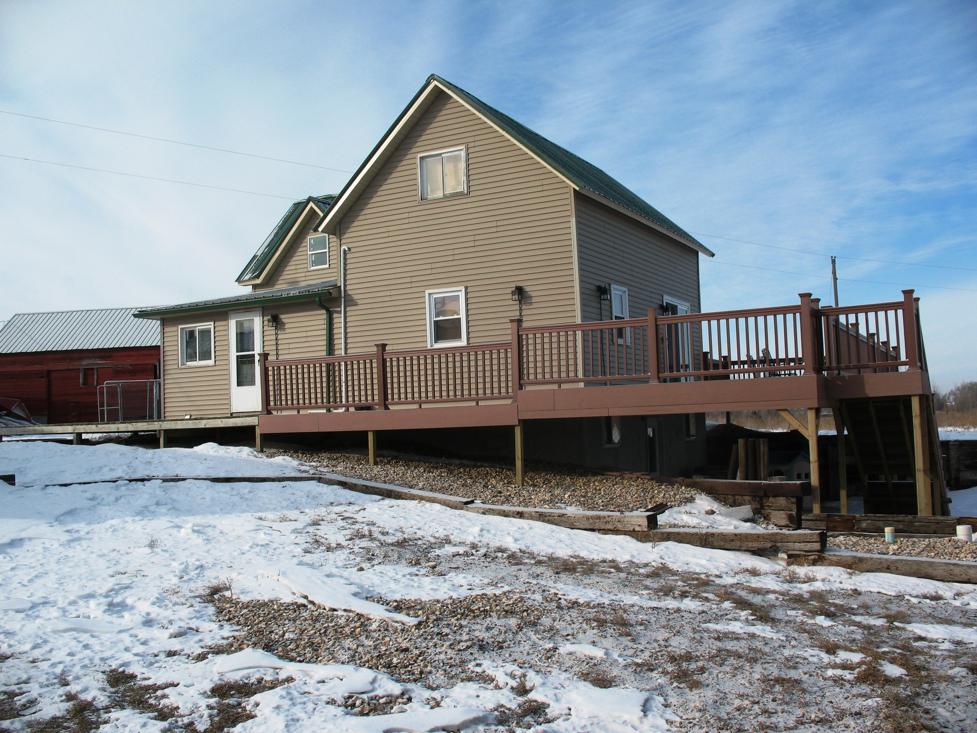 Mcc crooked creek ranch lodging for Deck designs over walkout basement